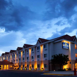 Microtel Inn & Suites by Whyndnam